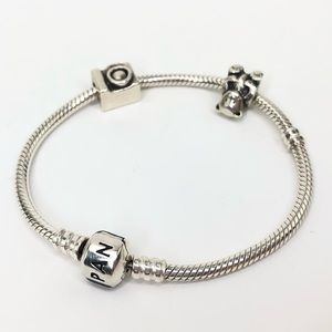 Authentic Pandora 7.5 in Silver Bracelet w charms